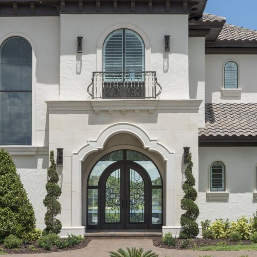 front of custom Transitional style home by Beck Custom Homes